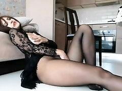 Squirting Pantyhose Mom Cougar - CamGoogle,com