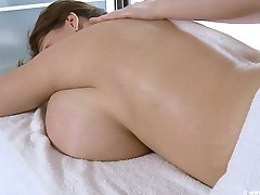 Milena Velba massage