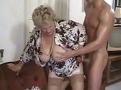 Granny#4 by chocholo