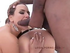 Mea Melone and Susan Ayn piss drinking sluts