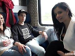 kvartetten sex i det offentlige tog