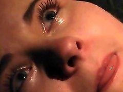 Orgazmus, sír a fájdalom BDSM rabságból