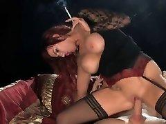 Hot Rødhårete I Hælene Røyking og Ridning