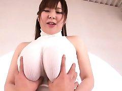 Lief Niiyama shakes huge tits in verdammtes