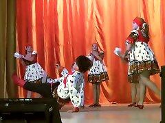 Russe De La Danse Folklorique. Chaud et Corné