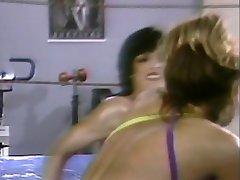 Sexy Horny poussins dans le ring de catch