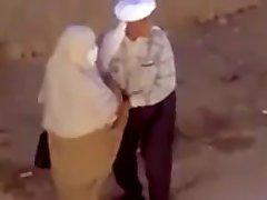 Un petit chat bite chez les arabes lol