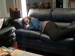 Chubby GF martelé sur le Canapé