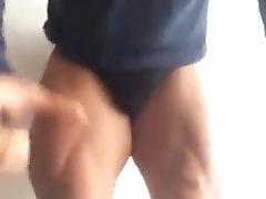 Gros renflement escorte bodybuilder flexion bulgrian