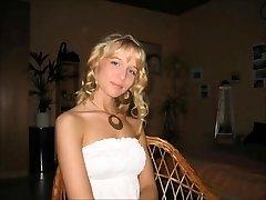 Sweet allemande blonde salope de femme cocu de mari