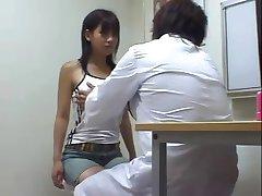 医師のおっぱい診断