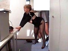 Ufficio Granny Scopata in calze