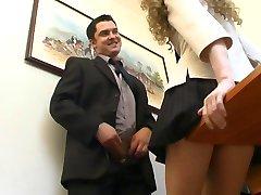 הבוס והמזכירה שלו