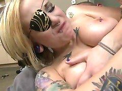 Mag tattoos und piercings