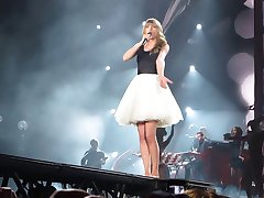 Taylor Swift opptre i Detroit