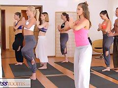 FitnessRooms Gimnasio de la pareja no pueden resistir el sexo en el gimnasio