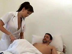 सींग का बना हुआ नर्स - सिंडी डॉलर