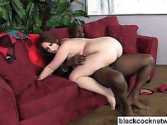 Enorma svart kuk och big boob slyna