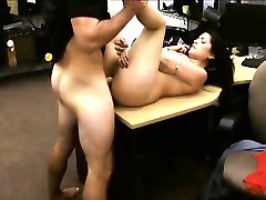 Cuban hottie sells her TV and got fucked at the pawnshop