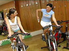 Beauty Euro teen get horny in gym