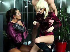 Pee soaked euro babes cumswapping in trio