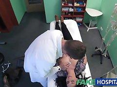 FakeHospital Hot Tatuering Patienten botas med hårda kuk behandling