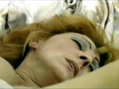 Mature hottie craves a big cock up her snatch