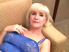 Beautifull Granny in hot sex