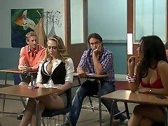 pieptoase blonde invatare in cuplu kagney linn karter