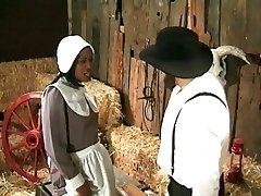 Фермер-амиш annalizes черной горничной