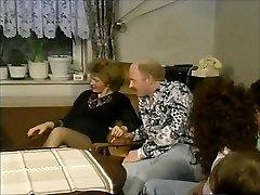 Gruppensex mit Manneruberschuss - Bölüm 1