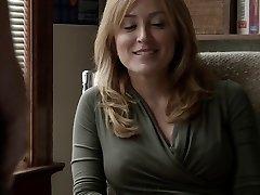 סשה אלכסנדר בושה S05E09 השפה יורדת הלין