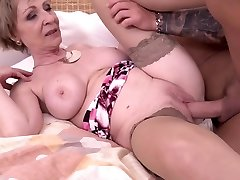 Hot milf and her younger paramour 869