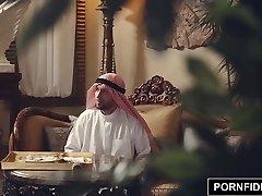 PORNFIDELITYナディアの荒ムスリム刑罰性