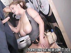 Eva Notty V Prdeli Na Wc