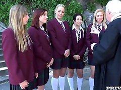 Lindsey Olsen, Taissia Troje Schoolgirls