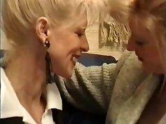 Fransız Liz Kuruş Şişe, Yumruklu... Ayaklı ?