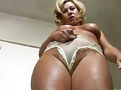 Super Milf Tracy Coleman