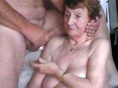 en la cara de la abuela