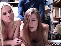 Teen shoplifter and her blonde mother fucks with the officer
