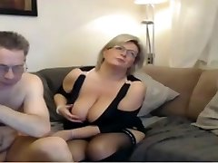 Mature mom have a web cam sex with meaty perfect tits