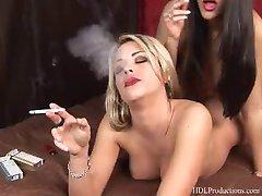 Leah Jaye - Smoking Fetish at Dragginladies