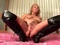 mature female solo