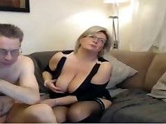 Mature mom have a webcam sex with meaty perfect mammories