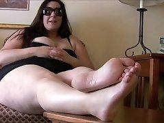 BBW feet, foot mistress with sub