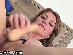 Horny skinny housewife is catapulting huge part3