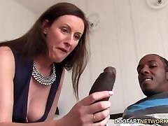 Lara Spandex Quenches Her Hunger For Black Jizz-shotgun