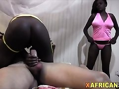 Two African babes packed by white dong in threeway