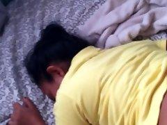 性别与我的indonasian女在我自己的房间。 [真实的故事性交易]