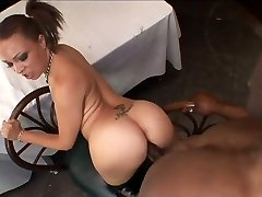 Ebony Teen Takes Deep Assfucking